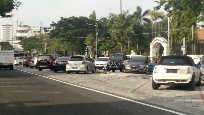 Area parkir di Taman Parkir Wijaya Kusuma, Surabaya, Jawa Timur. (Foto: Liputan6.com/Dian Kurniawan)