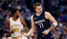 NBA/Doncic神奇三分球絕殺快艇 柯瑞讚嘆:這球太扯了