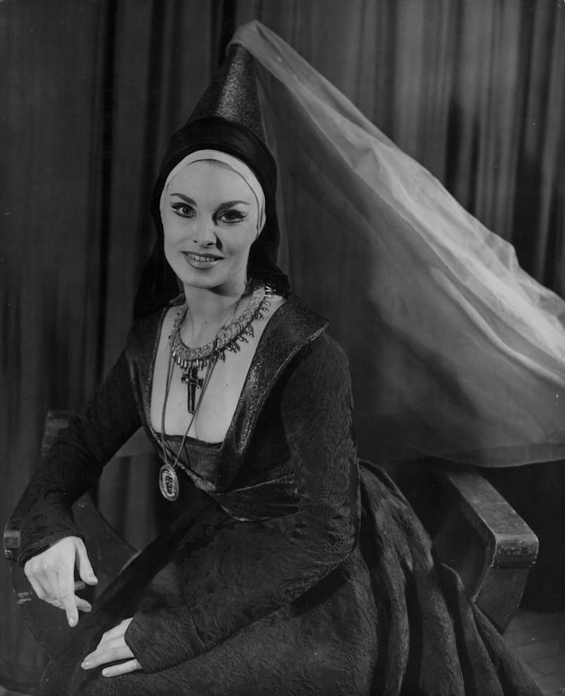 Barbara Jefford as Lady Anne in Richard III at the Old Vic, circa 1956 - Chris Ware/Keystone/Getty
