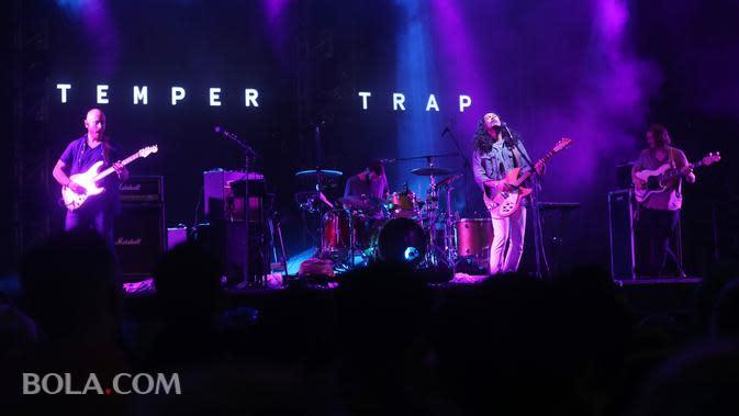 Lirik Lagu Sweet Disposition - The Temper Trap