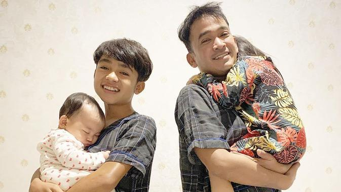 Ruben Onsu dan keluarga. (Foto: Instagram @ruben_onsu)