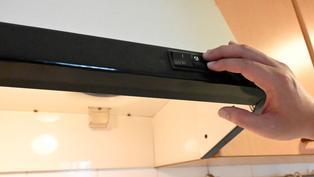廚房管線複雜 看房驗屋這樣檢測跳電漏水