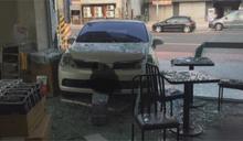 要煞車誤踩油門 員工開車撞進自家超商