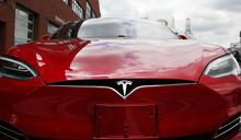 Musk 表示 Tesla 的「全自動駕駛」訂閱服務將在明年初到來