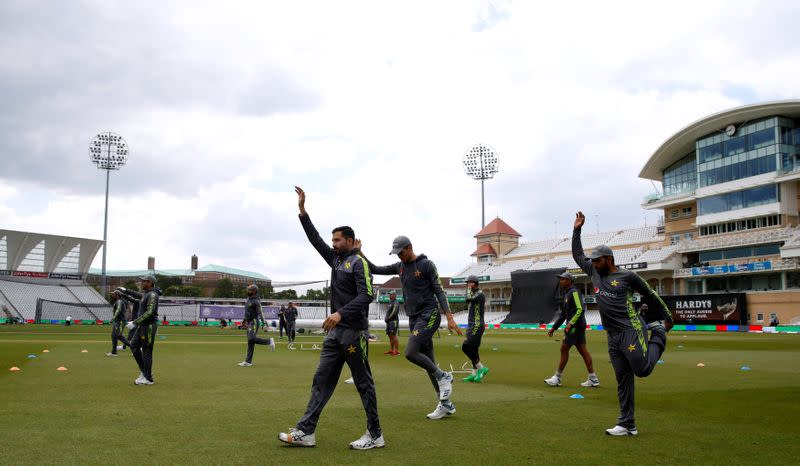 Cricket: Pakistan warn of expulsion after breach of COVID-19 protocols