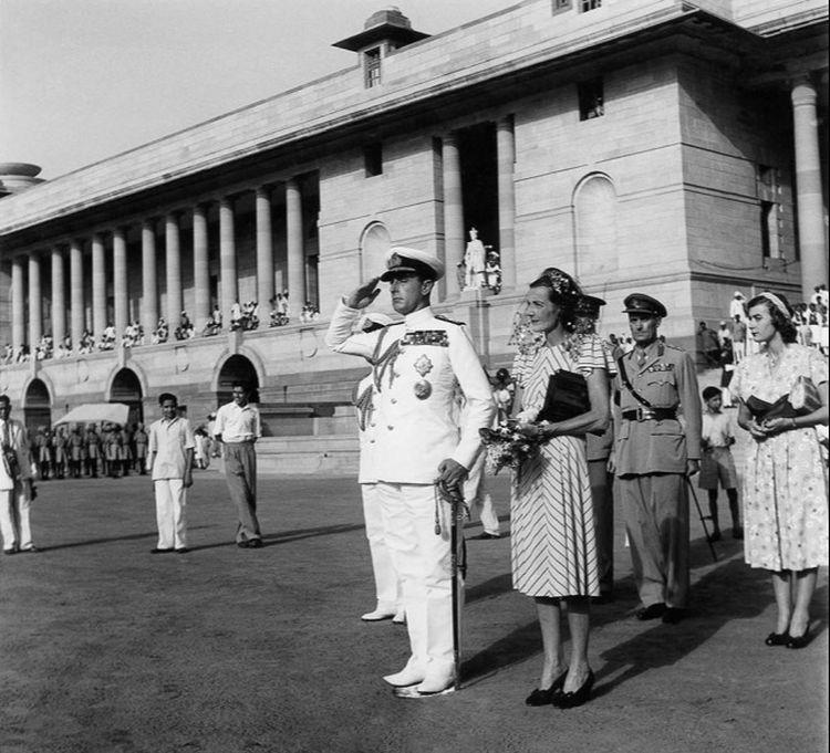 Lord Mountbatten does his last salute as Governor General, 1948, by Homai Vyarawalla. Photo: HV Archive/ The Alkazi Collection of Photography