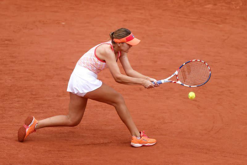 Fourth seed Kenin survives Samsonova challenge to advance