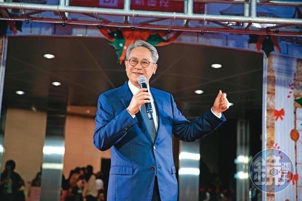 政府出手解套,台新金董座吳東亮可望終結糾纏十五年的彰銀案。