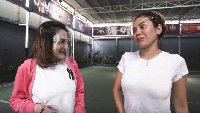 Kiki Amalia bersama Nikita Mirzani