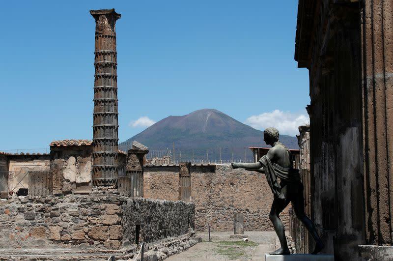 The coronavirus disease (COVID-19) outbreak in Pompeii