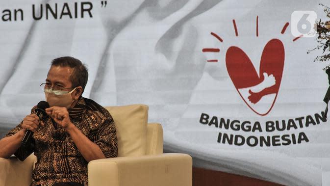Anggota Tim KOMNAS Penilai Obat dan Tim Ahli Anwar Santoso memberikan keterangan saat konferensi pers terkait hasil uji klinis obat untuk Covid-19 dari Universitas Airlangga (UNAIR) di Kantor BPOM, Jakarta, Rabu (19/8/2020). (merdeka.com/Iqbal S. Nugroho)