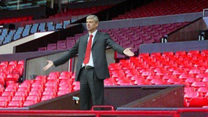 Ekspresi Arsene Wenger kala diusir dari Old Trafford (Bola.com/Twitter @thegraphicbomb)
