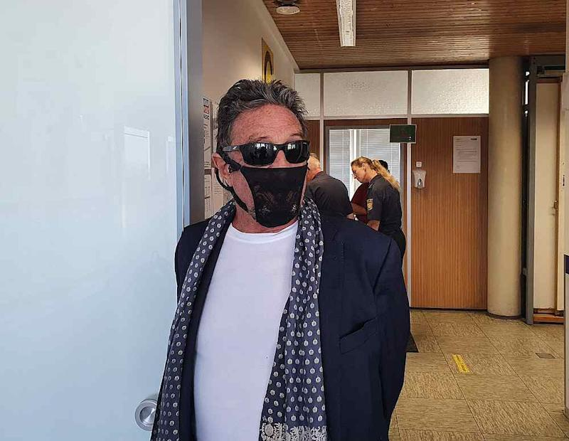 John McAfee who refused to don the medically-certified mask claimed he was arrested by authorities in Norway. — Picture via Twitter/@officialmcafee