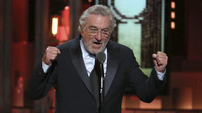Robert De Niro membuat publik terkejut dengan keberaniannya, mengeluarkan kata tak sopan terhadap Presiden Amerika Serikat Donald Trump ( Michael Zorn/Invision/AP)
