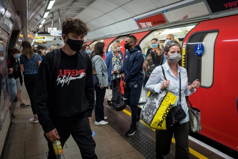 UK experts warn virus is out of control