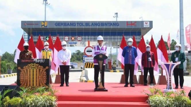 Resmikan Tol Pertama di Aceh, Jokowi Puji Cepatnya Pembebasan Lahan