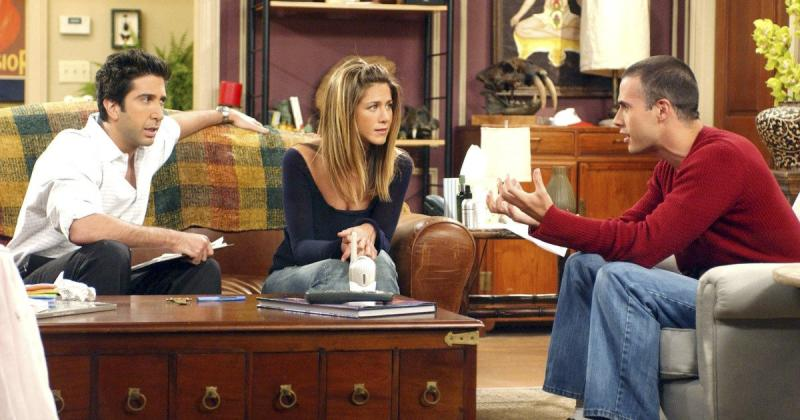 Freddie Prinze Jr. shares his version of Ross' Thanksgiving leftovers sandwich from Friends