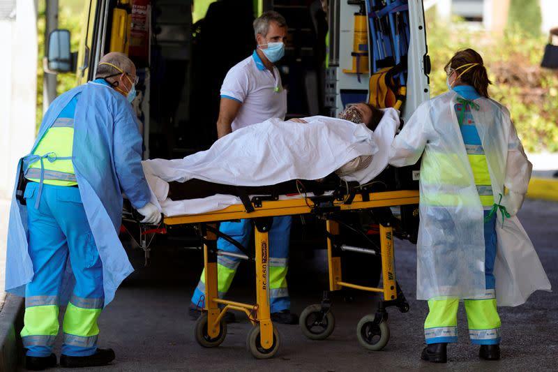 Spain close to half a million coronavirus cases