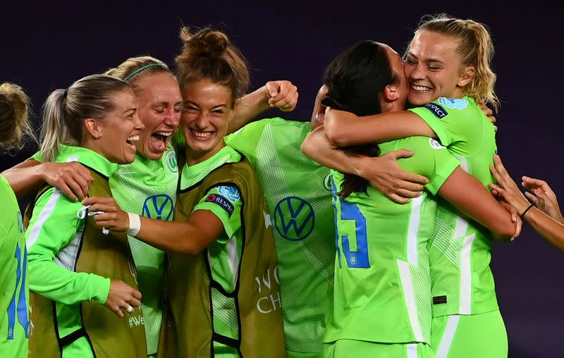 Wolfsburg ride luck to beat Barca and reach Women's Champions League final