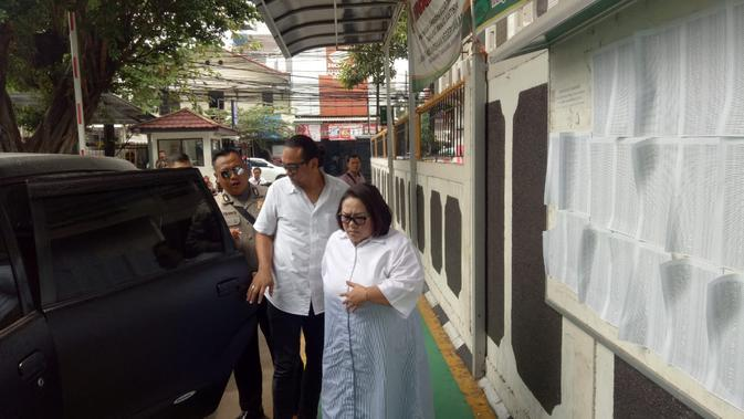 artis Nunung dan suaminya jalani sidang kasus Narkoba hari ini . (Merdeka.com/Ahda Bayhaqi)