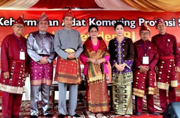 10 Potret Sederhana Iriana Jokowi yang Baru Jadi Nenek 3 Cucu