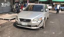酒駕釀禍!撞飛路邊攤販 5機車毀3人傷