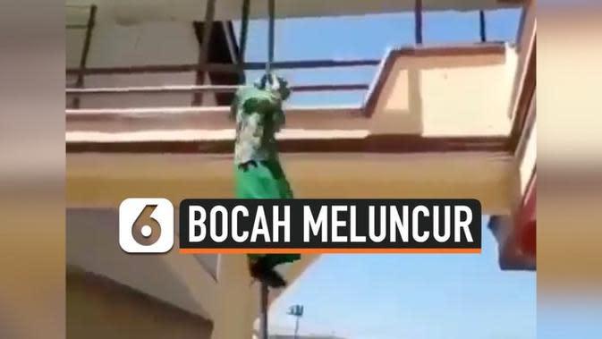 VIDEO: Heboh Aksi Bocah Meluncur dari Tiang Bendera Sekolah