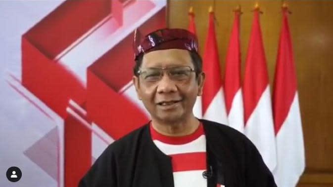 Mahfud MD berbusana adat Madura Sakera saat merayakan HUT ke-75 RI (Dok.Instagram/@mohmahfudmd/https://www.instagram.com/p/CD-m74KJf7n/Komarudin)