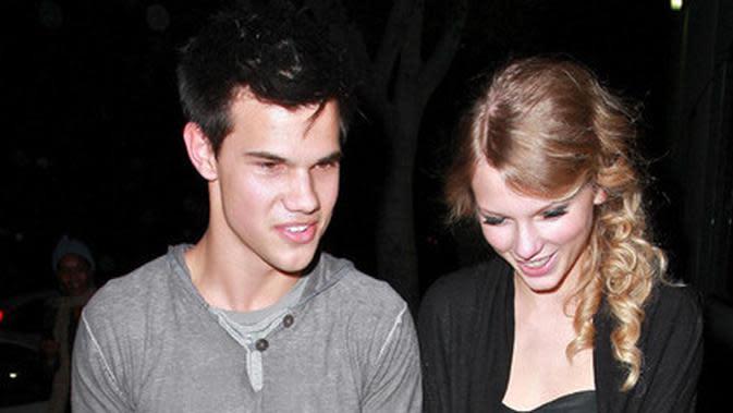 Foto Taylor Swift – Taylor Lautner Credit: Kapanlagi.com/Fameflynet
