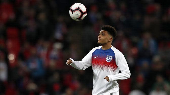 Jadon Sancho tengah mencuri perhatian banyak klub elite Eropa. Penampilan apiknya bersama Dortmund membuat sejumlah klub top Eropa siap bersaing untuk merekrutnya di musim panas nanti. (AFP/Adrian Dennis)