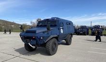 科索沃警方接收首批「堡壘」裝甲車