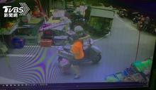 飛車搶劫!嫌市場內騎車找目標 女買菜金項鍊被扯走