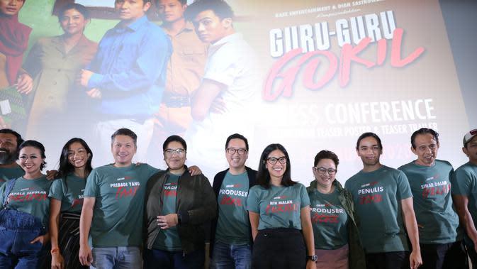 Para pemain di film Guru-Guru Gokil (Daniel Kampua/Fimela.com)