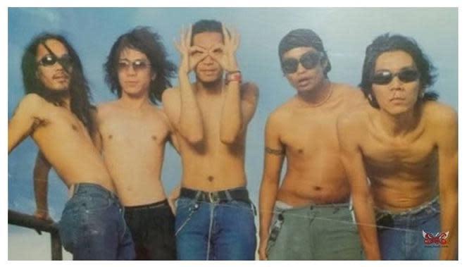 Rayakan Ulang Tahun Ke-36, Ini 7 Transformasi Personel Band Slank (sumber: Instagram/@karya_slank)