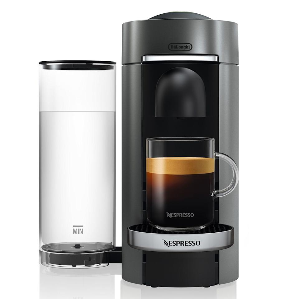 "<p><strong>Nespresso</strong></p><p>surlatable.com</p><p><strong>$249.00</strong></p><p><a href=""https://go.redirectingat.com?id=74968X1596630&url=https%3A%2F%2Fwww.surlatable.com%2Fnespresso-vertuo-plus-deluxe-coffee-and-espresso-machine-by-delonghi-with-aeroccino%2FPRO-3179827.html%3Fcgid%3Dcat390420%23start%3D1&sref=https%3A%2F%2Fwww.elledecor.com%2Fshopping%2Fhome-accessories%2Fg32474265%2Fbest-small-appliances%2F"" target=""_blank"">Shop Now</a></p><p>This Nespresso machine makes a cup of coffee that's so good, your own kitchen will become your new favorite neighborhood café.</p>"