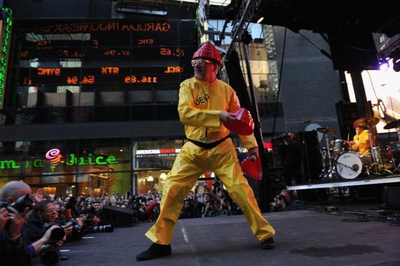 Mark Mothersbaugh at a Devo performance.