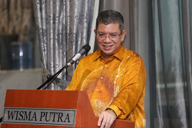 Datuk Saifuddin Abdullah laughed off questions about his presence at a meeting of PKR leaders aligned to Datuk Seri Azmin Ali at a hotel here. — Picture by Choo Choy May