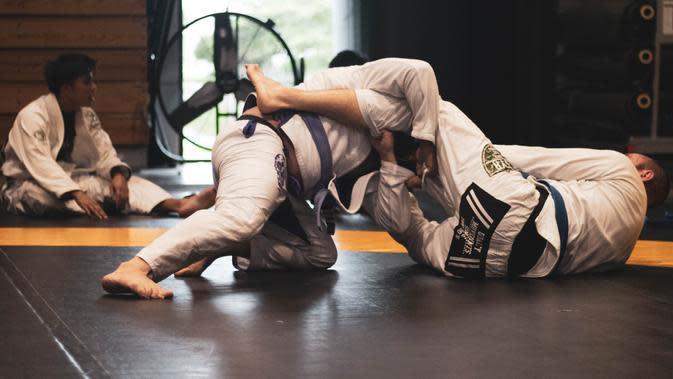 Ilustrasi Judo (Photo by Samuel Castro on Unsplash)