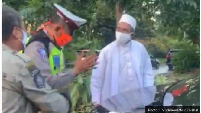 Viral Foto Pelat Nomor Mobil Habib Umar Palsu, Polisi: Hoax