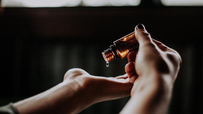 3 Cara Menghilangkan Bopeng Bekas Jerawat dengan Minyak Zaitun ...