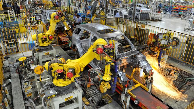 Proses perakitan melibatkan robot (Mahindra)