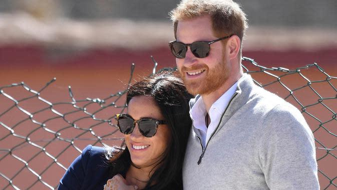 Pangeran Harry dan Meghan Markle mengumumkan jika mereka mundur dari anggota senior kerajaan Inggris dan akan bekerja secara mandiri untuk menghidupi kebutuhan finansial mereka. (AP Photo FILE)