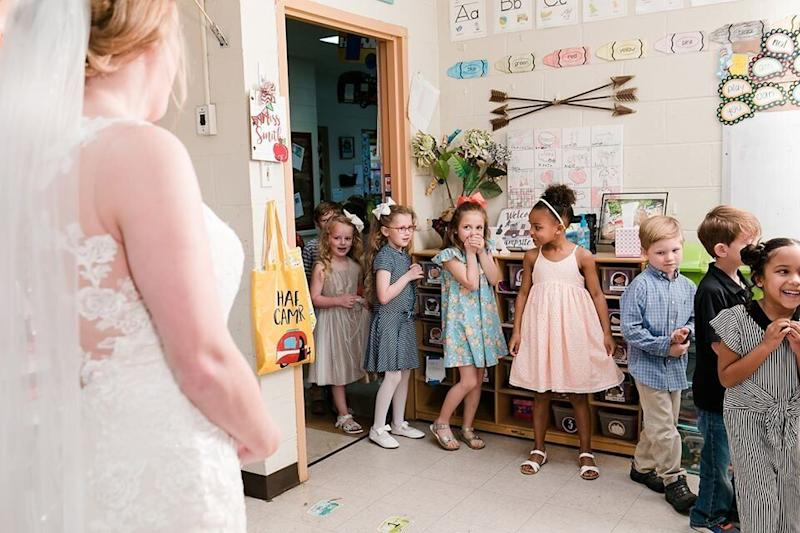 "Smith said her students were so excited to see her all dressed up. (Photo: <a href=""https://www.facebook.com/flyingpigphotos/"" target=""_blank"">FLYING PIG PHOTOGRAPHY</a>)"