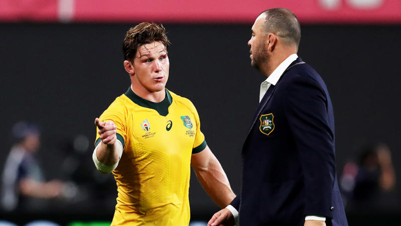Michael Hooper speaking to Michael Cheika after the Fiji-Wallabies match.