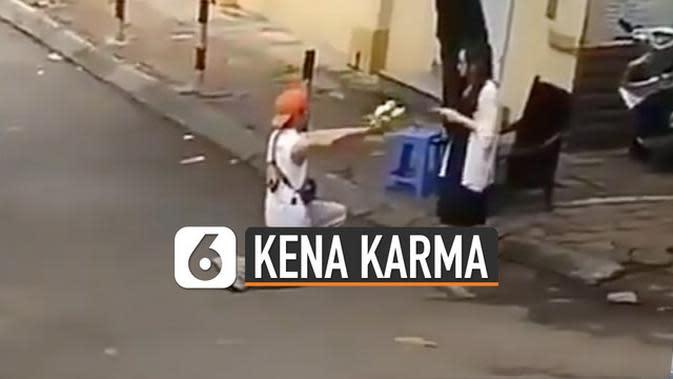 VIDEO: Kocak, Wanita Tolak Cinta Kena Karma