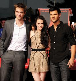 Watch the 'Breaking Dawn- Part 1′ red carpet premiere, live on Yahoo!