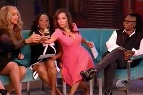 Tyra Banks Awkwardly Shows 'View' Hosts How to Take Perfect Selfies, Predicts Future (Video)