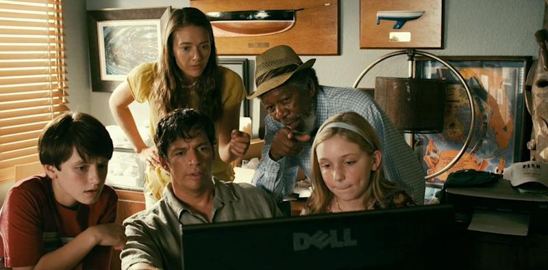 "Review: ""Dolphin Tale"""