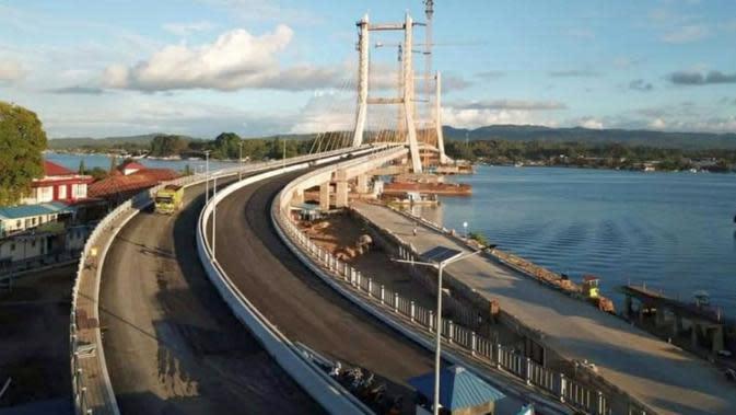 Kementerian PUPR tengah menyelesaikan pembangunan Jembatan Teluk Kendari sepanjang 1,34 km yang menghubungkan Pelabuhan Kota Lama dengan Kecamatan Poasia. (Dok PUPR)