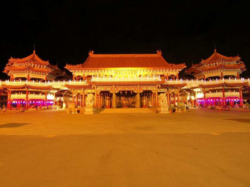 仿紫金城宮殿式建築